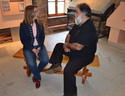 Javier Pérez Andrés visita el Museo Judío de Béjar