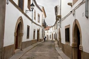 http://www.museojudiobejar.com/wp-content/uploads/2017/09/A_BARRIO_JUDIO_ALCANTARA_01-300x200.jpg